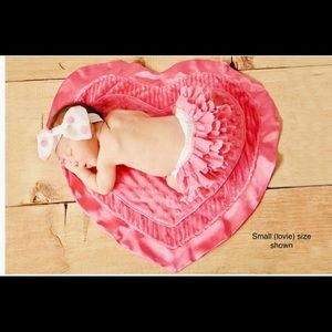 NWT Love (heart) Large Happy Blankie